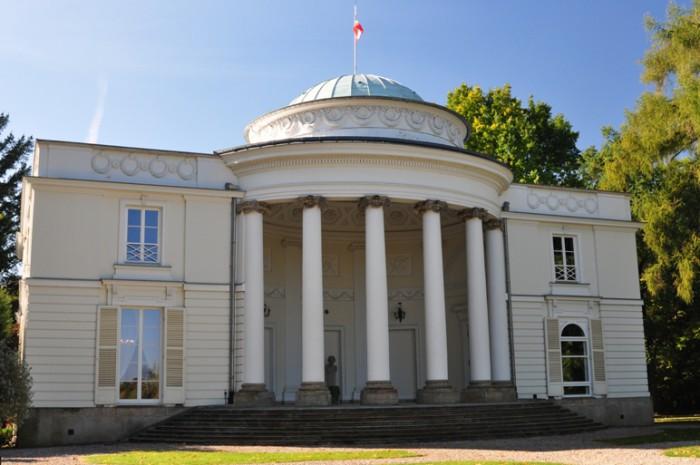 Pałac na terenie Zespołu Pałacowo-Parkowego w Natolinie
